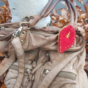 Knit an Autumn Leaf Bag Charm