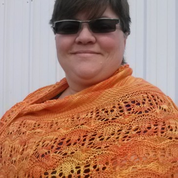 FO Alert! Deann finally has pictures of her shawl..